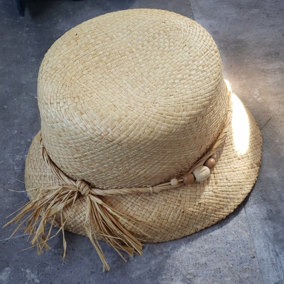 Nine & Co. Accessories - FREE WITH PURCHASE Cute Straw Hat